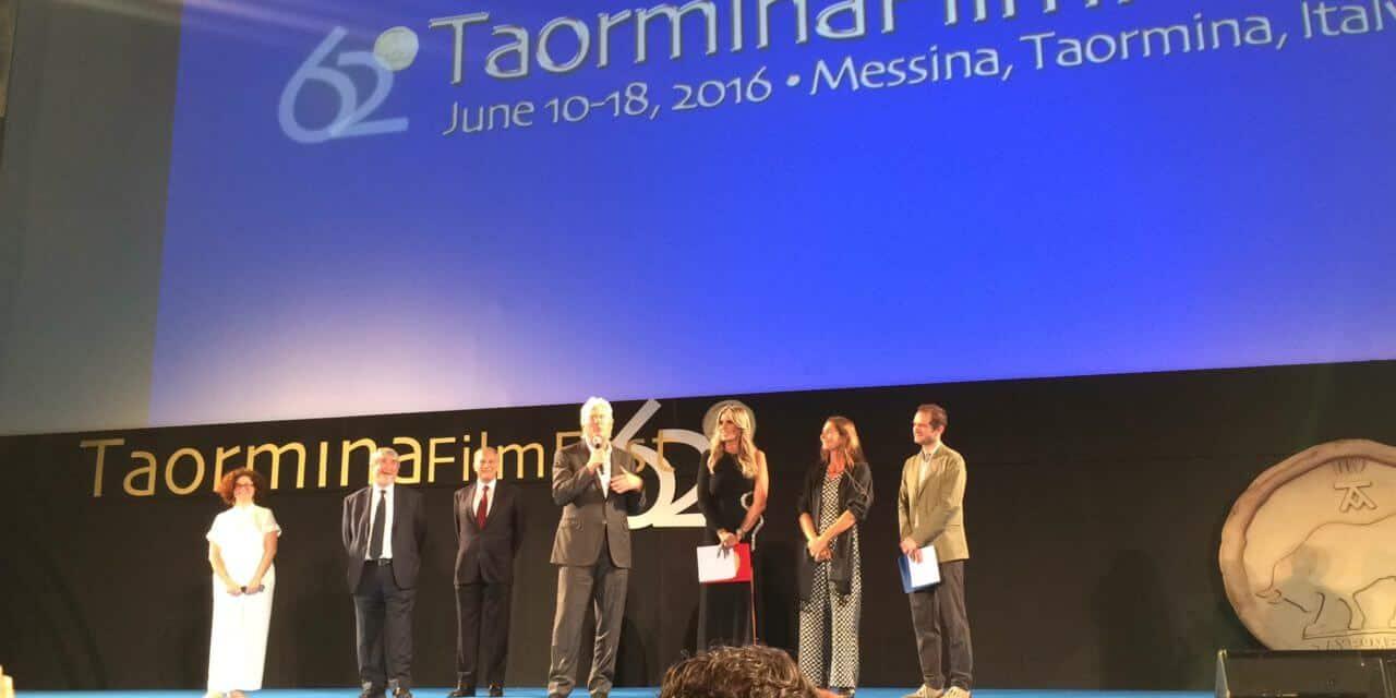 """À Taormina, Pleins feux sur """"invisible"""" avec la campagne #HomelessZero"""
