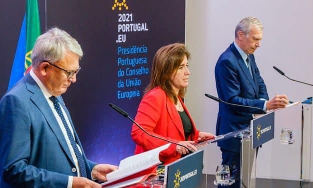 Firma della European Platform to Combat Homelessness